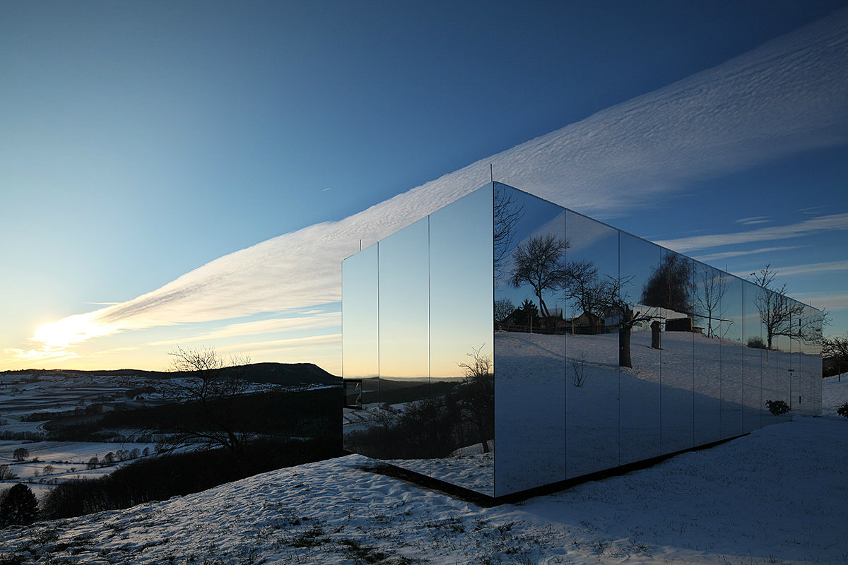 Mirrored-House-by-Delugan-Meissl-Associated-Architects-2